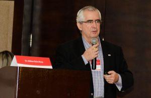 Dr. Milton Ruiz Alves